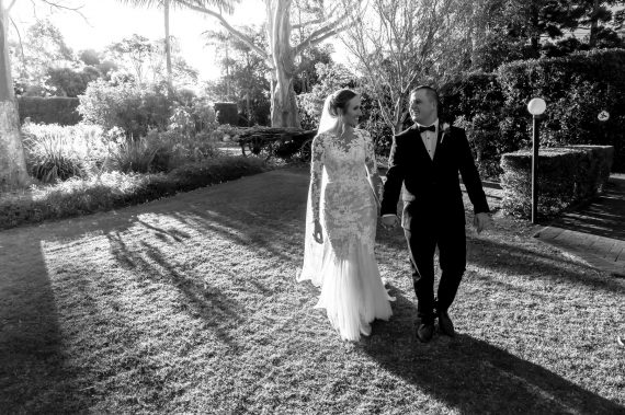 Rustic wedding black & white